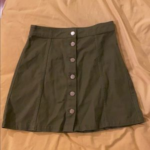 H&M forest green size 6 button up skirt